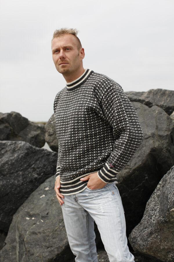 Klassinen islantilainen villapaita