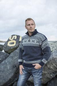 Kudottu norjalainen villapaita