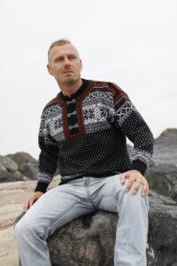 Norjalainen villapaita tinahakasilla